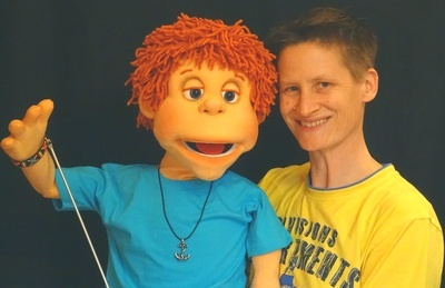 Chris Benna (Germany) with Norman puppet